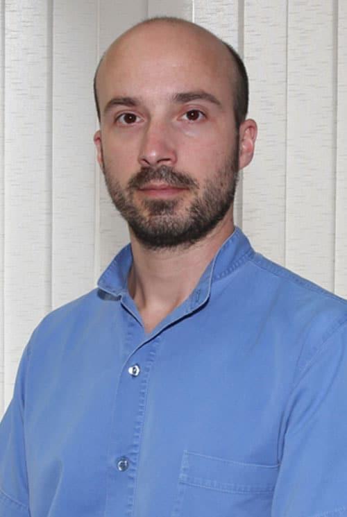 Ungarske tandlæger | Tandklinik Ungarn: Tandbehandling i udlandet - Tandlæge i udlandet