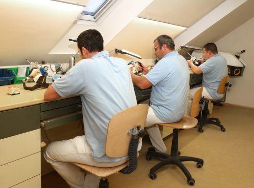 Laboratoriet, tandteknikere:Tandbehandling i udlandet